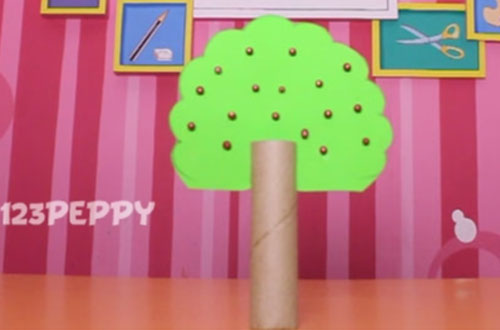 How to make an apple tree with recycled materials online for Easy recycled materials