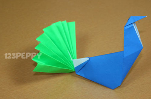 how to make a peacock with color papers - Color Papers