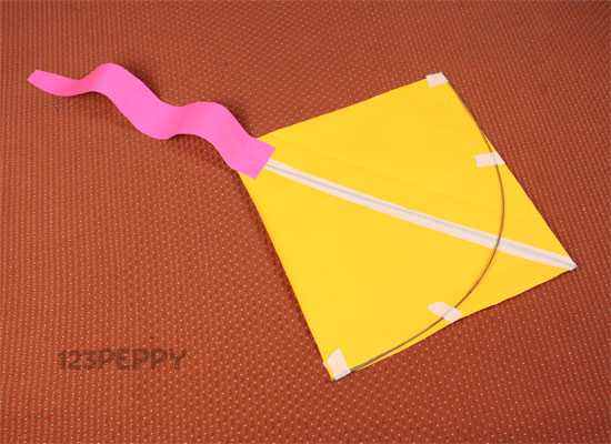 How to Make a Simple Kite - Step by Step Picture and Video Tutorial