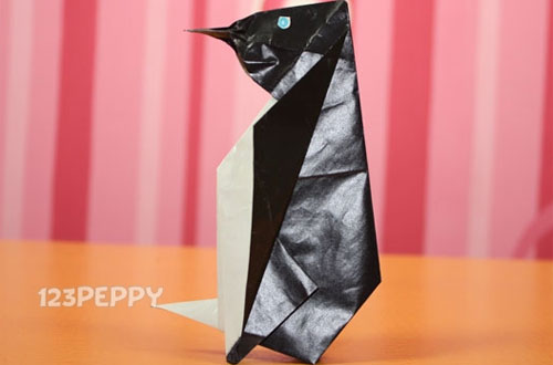 How to Make a Penguin with Color Paper