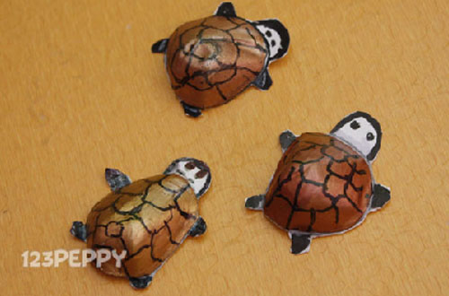 How to Make a Turtle with Recycled Materials - Step by Step Picture