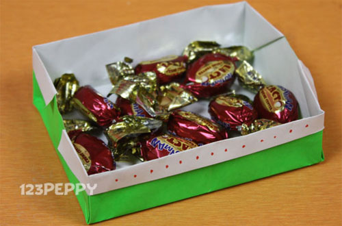 How to Make a Sweet Box with Color Paper